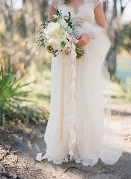claire-pettibone-dress-veil-ivory-bouquet-ribbons